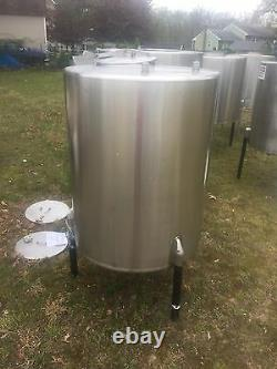 360 Gallon Food Grade Stainless Steel Tanks use To Make beer, moonshine, Wine, ect