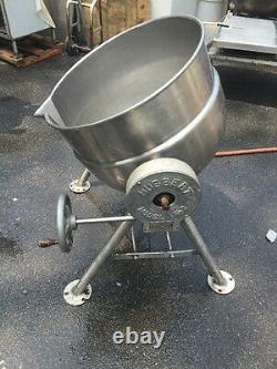 Hubbert Stainless Steel 30 Gallon Steam Kettle Model TK-2