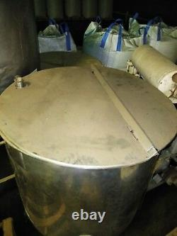 Portable stainless steel tank, 4 legs (wheels), 237 Gal, with lids